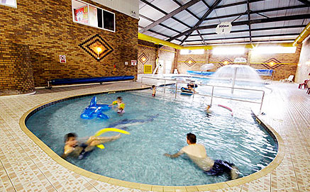 Holiday park facilities flower of may for Indoor swimming pool scarborough