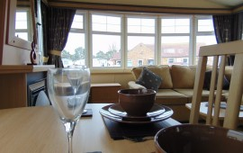 Willerby Granada 2008, 35x12, RS, Dining Table