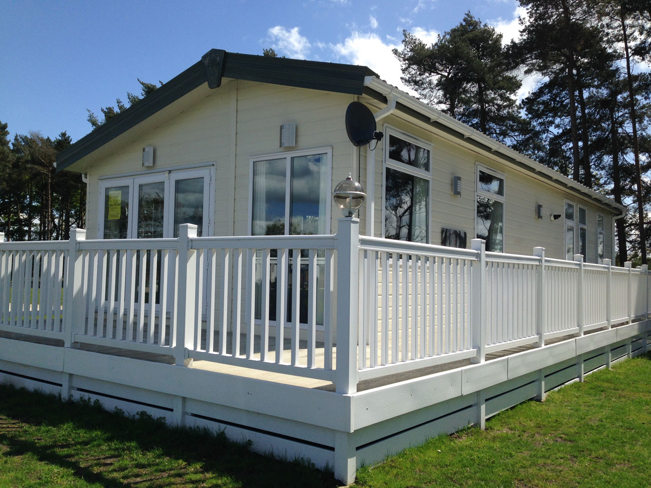 Pre owned 2013 pemberton arrondale lodge flower of may for Pemberton cabins