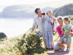Family-Coastal-Walk
