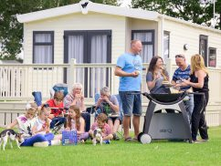 Goosewood-Lodge-Holidays-Family-BBQ