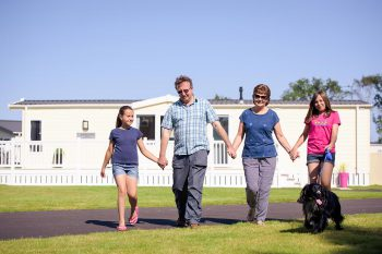 Goosewood-Lodge-Holidays-Family-Dog